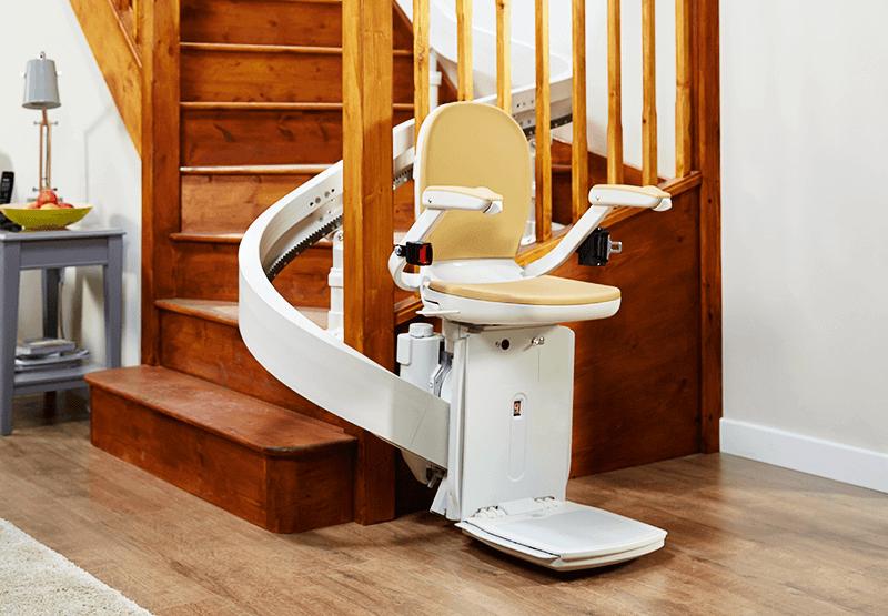 installation-monte-escalier-acorn-espace-emeraude